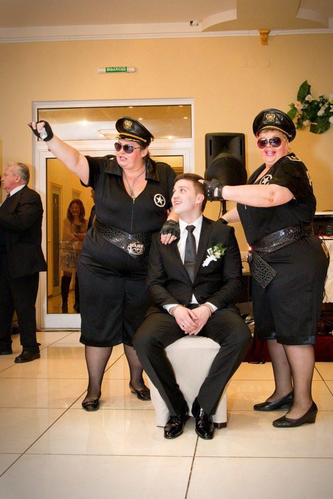 Стриптиз толстушек на свадьбе